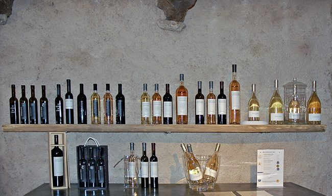 Photo of the tasting room at Château Peyrassol